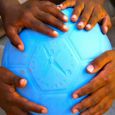 5-nands-on-soccer-ball-blue
